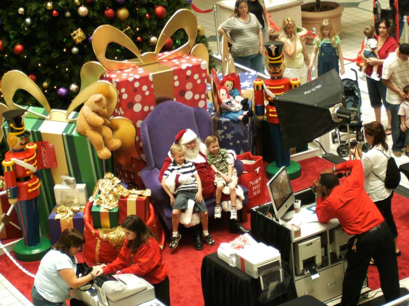 Day 92 – Santa in the Seminole Town Center in Sanford