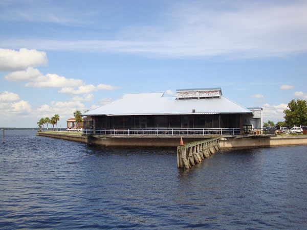 Day 342 – Wolfy's Bar and Grill Sanford FL